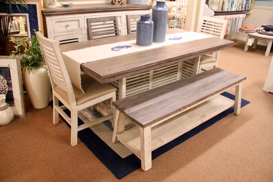 rustic two-tone dinette