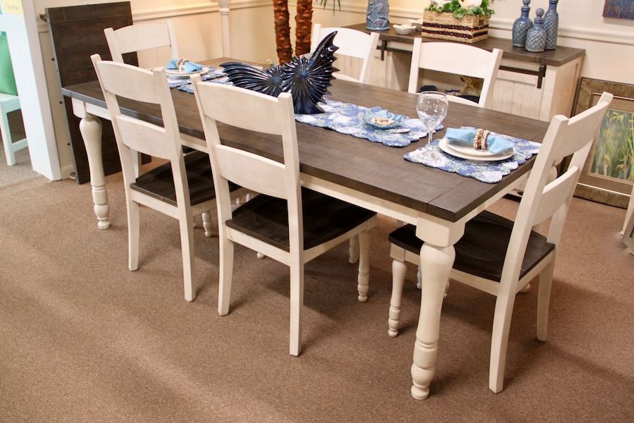 two-tone dinette for beach house