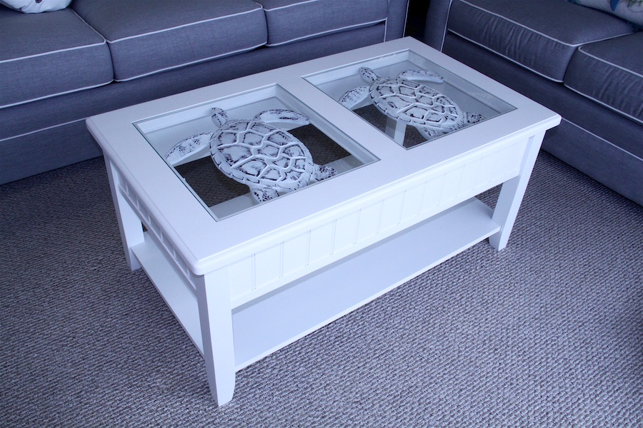 white sealife tables