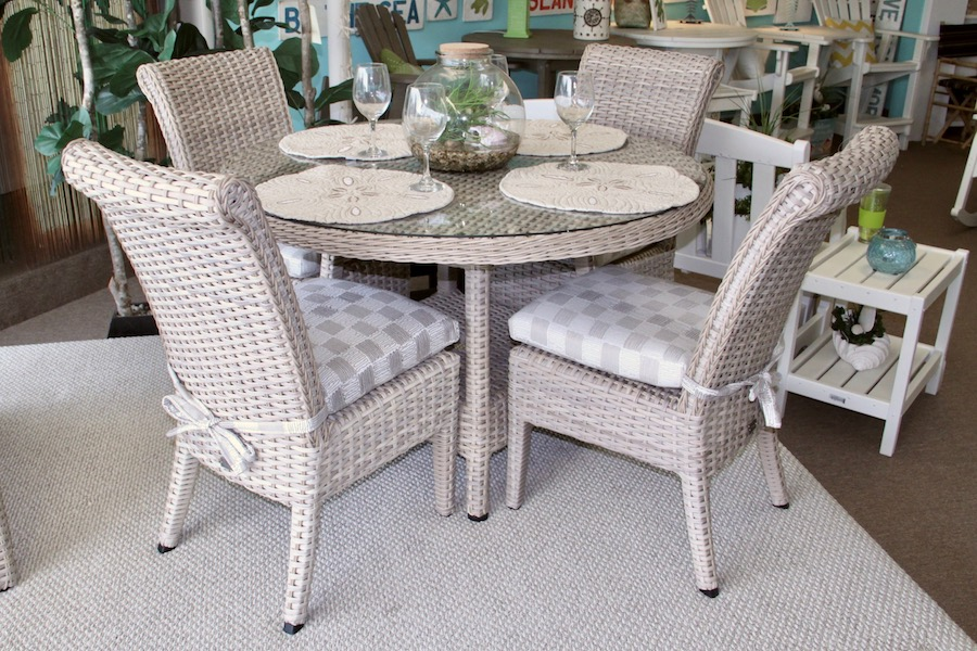 outdoor woven dining set