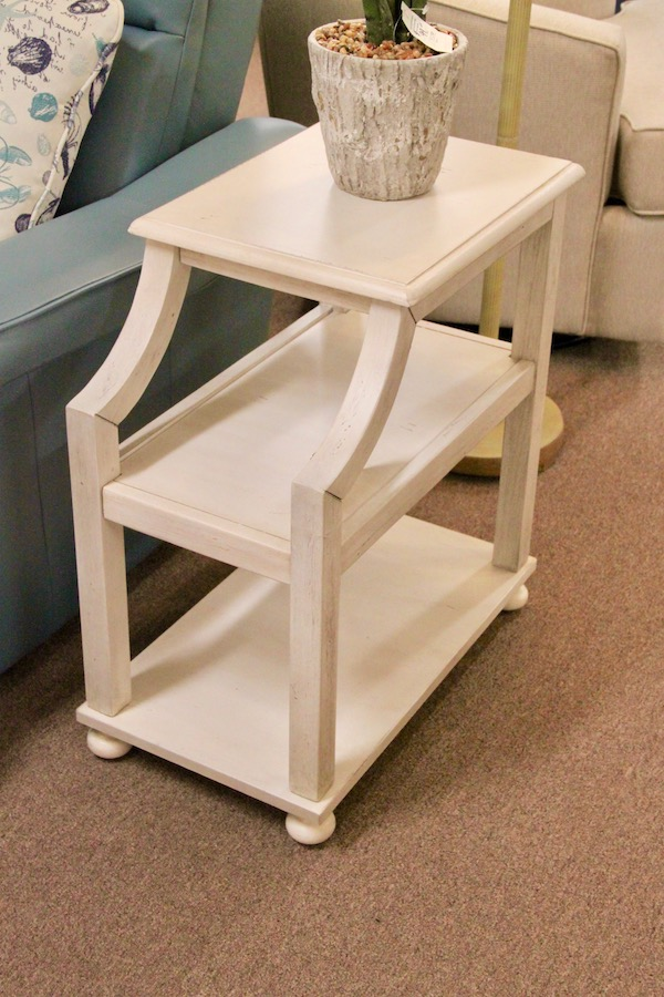 chair side accent table