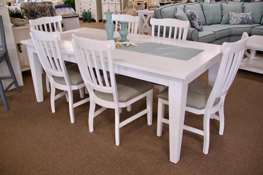 cottage white dinette